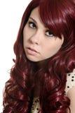Muchacha adolescente con el pelo de Borgoña Fotografía de archivo