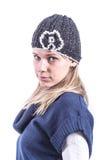 Muchacha adolescente con el sombrero de punto y la rebeca Fotografía de archivo libre de regalías