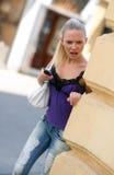 Muchacha adolescente con el teléfono móvil Imágenes de archivo libres de regalías