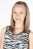 Muchacha adolescente con el tiro de la pista de paréntesis Imágenes de archivo libres de regalías