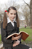 Muchacha adolescente con la biblia Fotografía de archivo