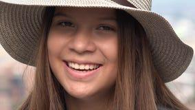 Muchacha adolescente con la cara bonita Imagenes de archivo