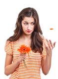 Muchacha adolescente con la flor Fotografía de archivo