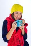 Muchacha adolescente con la taza de té Imagen de archivo libre de regalías