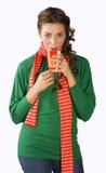 Muchacha adolescente con la taza de té Fotografía de archivo libre de regalías