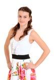 Muchacha adolescente con las manos en caderas Foto de archivo
