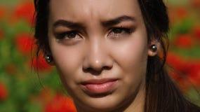 Muchacha adolescente confusa o preocupante Fotos de archivo libres de regalías