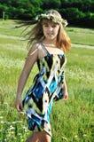 Muchacha adolescente de la margarita Fotografía de archivo libre de regalías
