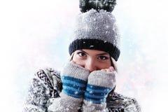 Muchacha adolescente de la Navidad atractiva Imagen de archivo libre de regalías