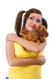 Muchacha-adolescente de la sonrisa con el oso de peluche Foto de archivo libre de regalías