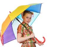Muchacha adolescente de moda linda con el paraguas iridiscente Imagen de archivo