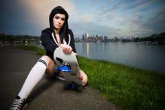 Muchacha adolescente del patinador hermoso Imagenes de archivo