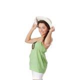 Muchacha adolescente del verano en sombrero grande Foto de archivo libre de regalías