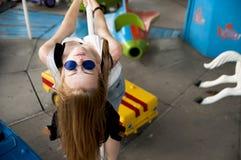 Muchacha adolescente elegante que engaña alrededor Imagen de archivo libre de regalías