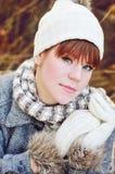 Muchacha adolescente en caída Fotos de archivo libres de regalías
