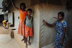 Muchacha adolescente en la India rural Fotos de archivo