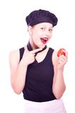 Muchacha adolescente en sombrero del cocinero con los tomates Imagen de archivo