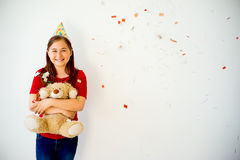 Muchacha adolescente en un sombrero del partido Fotografía de archivo