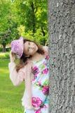 Muchacha adolescente en un sombrero del verano Foto de archivo libre de regalías