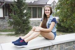 Muchacha adolescente en verano Fotografía de archivo libre de regalías