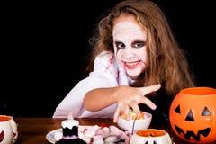 Muchacha adolescente en zombi del traje Fotos de archivo