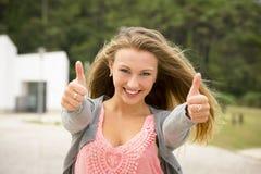 Muchacha adolescente feliz Foto de archivo libre de regalías