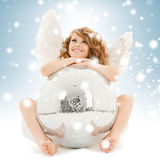 Muchacha adolescente feliz del ángel con la bola de discoteca Foto de archivo