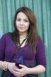 Muchacha adolescente feliz sonriente del Brunette Fotos de archivo