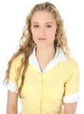 Muchacha adolescente hermosa con el pelo rubio rizado largo Imagenes de archivo