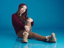 Muchacha adolescente hermosa en ropa de moda Imagen de archivo libre de regalías