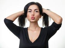 Muchacha adolescente hermosa que hace la cara tonta divertida Imagen de archivo libre de regalías