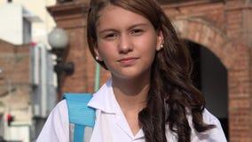 Muchacha adolescente impaciente y ansiosa metrajes