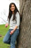 Muchacha adolescente joven al aire libre Foto de archivo libre de regalías