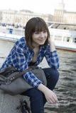 Muchacha adolescente joven en el río Imagen de archivo