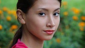 Muchacha adolescente joven en primavera Imagen de archivo