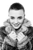 Muchacha adolescente joven linda en chaqueta de la piel Imágenes de archivo libres de regalías