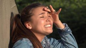 Muchacha adolescente neurótica y confusa Foto de archivo