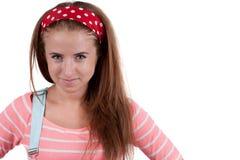Muchacha adolescente pelirroja en pantalones cortos Imagenes de archivo