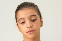 Muchacha adolescente pensativa, triste Foto de archivo