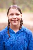 Muchacha adolescente que camina en el bosque Fotos de archivo libres de regalías