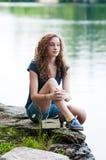 Muchacha adolescente que disfruta de verano Foto de archivo libre de regalías