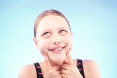Muchacha adolescente que hace muecas Fotografía de archivo