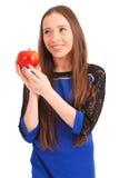 Muchacha adolescente que sostiene la manzana roja Imagen de archivo libre de regalías