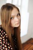 Muchacha adolescente regordeta hermosa con el pelo largo Fotos de archivo libres de regalías