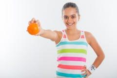 Muchacha adolescente sonriente, deportista bastante joven Fotografía de archivo libre de regalías