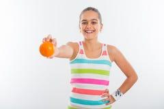 Muchacha adolescente sonriente, deportista bastante joven Imagen de archivo