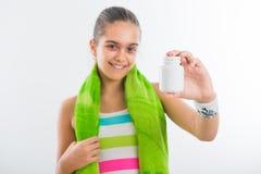 Muchacha adolescente sonriente, deportista bastante joven Imagen de archivo libre de regalías