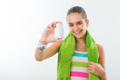 Muchacha adolescente sonriente, deportista bastante joven Foto de archivo libre de regalías