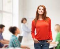 Muchacha adolescente sonriente en la escuela Imagen de archivo