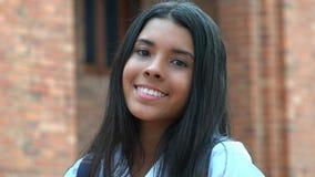 Muchacha adolescente sonriente y felicidad Imagen de archivo libre de regalías